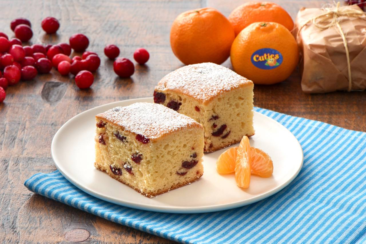 Cuties® Clementine and Cranberry Snacking Cake